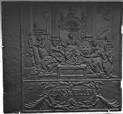 Inv.-Nr. 266   Allegorie Französisches Königstum, Kaminplatte 74 x 67 cm, Zinsweiler, um 1729