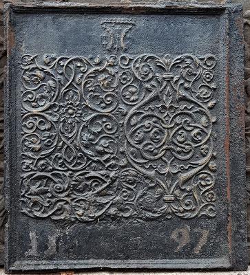 Inv.-Nr. 480   Wappen Graf von Salm, Ofenplatte xx xx cm, Lothringen, Ende 16. Jh