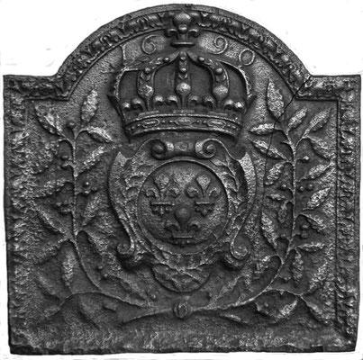 Inv.-Nr. 45   Wappen Frankreich (Ludwig XIV.),  Kaminplatte 56 x 55 cm, Lothringen, dat. 1690