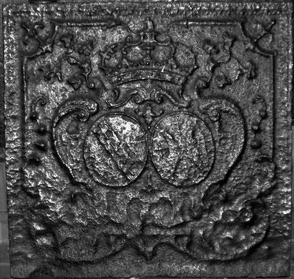 Inv.-Nr. 86   Allianzwappen Lothringen - Bar,  Kaminplatte 56 x 54 cm, Lothringen, um 1700