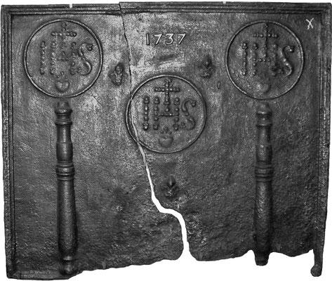 Inv.-Nr. 139   Jesusmonogramm, Kaminplatte 98 x 82 cm, Lothringen, dat. 1737
