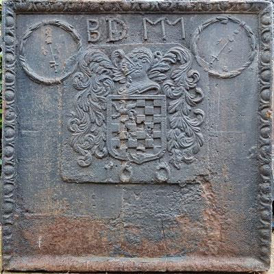 Inv.-Nr. 414   Wappen Le Prévost,  Kaminplatte, XX x XX cm, Cousance,  dat. 1600