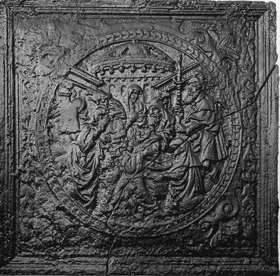 Inv.-Nr. 200   Christi Geburt  Kaminplatte 71 x 69 cm, Lothringen, Mitte 16. Jh.