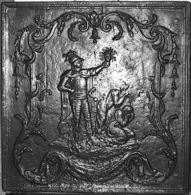 Inv.-Nr. 315   Perseus mit dem Haupt der Medusa, Kaminplatte 71 x 75 cm, Lothringen, 2. H. 18. Jh.