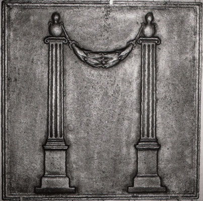 Inv.-Nr. 282   Zwei kannelierte Säulen  Kaminplatte xx x xx cm, Lothringen, um 1800