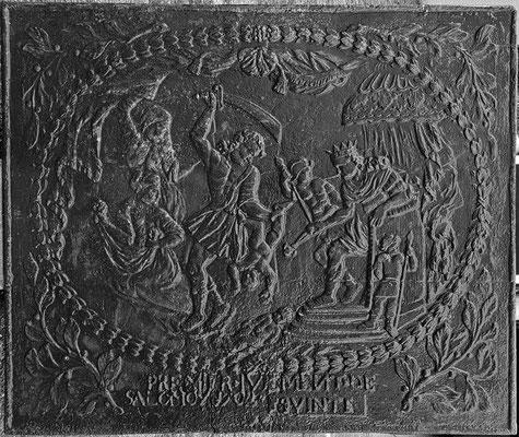 Inv.-Nr. 408   Das Urteil Salomons  Kaminplatte 108 x 91 cm, Quint, dat. 1702
