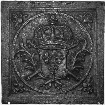 Inv.-Nr. 106   Wappen Frankreich (Ludwig XIV.),  Kaminplatte 47 x 47 cm, Lothringen um 1690