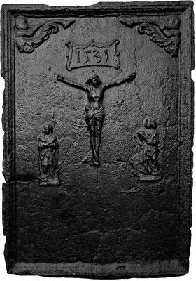 Nr. 237   Christus am Kreuze, Ofenplatte, 62 x 90 cm, Eisenschmitt (?), dat. 1531