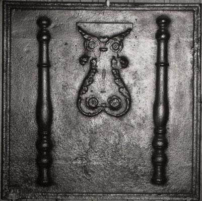 Inv.-Nr. 275   Säulen der Standhaftigkeit, Kaminplatte XX x XX cm, Lothringen, um 1800