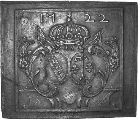 Inv.-Nr. 93   Allianzwappen Lothringen (Lepold I.) - Orleans (Elisabeth-Charlotte von Orleans), Kaminplatte 104 x 90 cm,Lothringen, dat. 1722