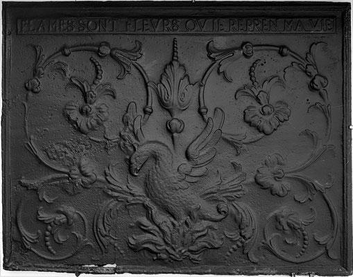 Inv.-Nr. 261   Phönix ,Kaminplatte 89 x 70, Villerupt (Lothringen), um 1688