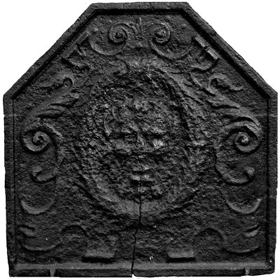 Inv.-Nr. 391   Fratze  Kaminplatte, xx x xx cm, Lothringen, 17. Jh.