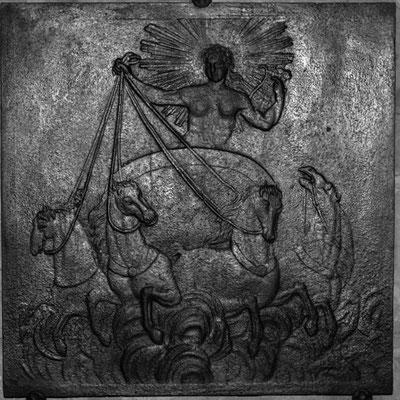 Inv.-Nr. 301   Apollon auf dem Sonnenwagen, Kaminplatte xx x xx cm, Hayange, 2. H. 18. Jh.