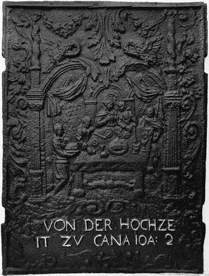 Inv.-Nr. 214   Hochzeit zu Kana, Ofenplatte 50 x 67 cm, Saarland, 1. H. 18. Jh.