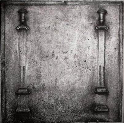 Inv.-Nr. 280   Zwei kannelierte Säulen  Kaminplatte xx x xx cm, Lothringen, um 1800