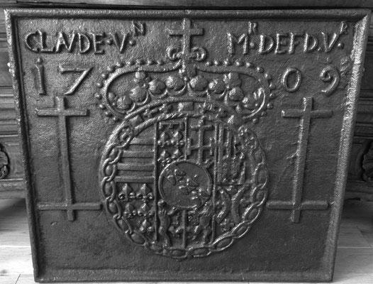 Inv.-Nr. 390   Wappen Herzogtum Lothringen (Leopold I.),  Kaminplatte 71 x 60 cm, Villerupt, dat. 1709