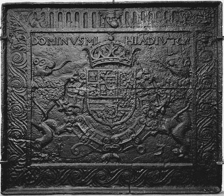 Inv.-Nr. 9   Wappen Spanien Philipp III., Kaminplatte 97 x 83 cm, Villerupt, dat. 1603