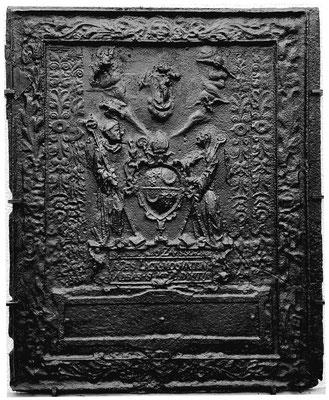 Inv.-Nr. 22   Wappen Johannes Lack, Abt Benediktinerabtei St. Maria ad Martyres in Trier, Ofenplatte 94 x 113 cm, Südeifel/Hunsrück, dat. 1624