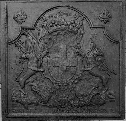 Inv.-Nr. 387   Wappen Charles Louis Henri de Lenoncourt,  Kaminplatte 80 x 80 cm, Dillingen, 1. H. d. 18. Jh.