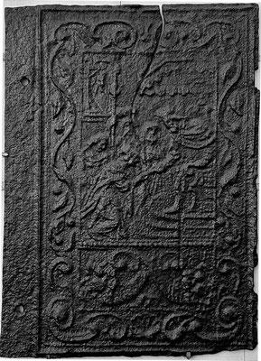 Inv.-Nr. 192  Ahasver (Xerxes)  verzeiht Ester, Ofenplatte xx x xx cm, Quint, Ende 17. Jh.