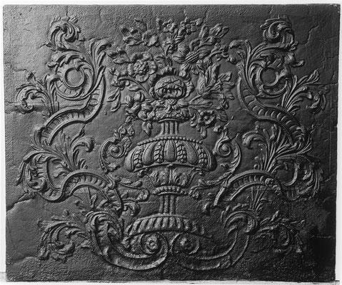Inv.-Nr. 354   Neunkircher Blumenkorb, Kaminplatte xx x xx cm, Neunkirchen, um 1700