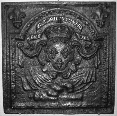 Inv.-Nr. 36   Wappen Frankreich (Ludwig XIV.), gegossen anlässlich des Sieges im Reunionskrieg gegen Spanien Kaiserreich,  Kaminplatte, 64 x 64 cm, 1684