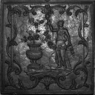 Inv.-Nr. 294   Flora, Kaminplatte xx x xx cm, Lothringen, 2. H. 18. Jh.