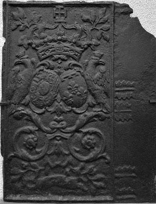 Inv.-Nr. 91   Allianzwappen Lothringen (Lepold I.) - Orleans (Elisabeth-Charlotte von Orleans),  Ofenplatte 61 x 80 cm, Neunkirchen(?), um 1700