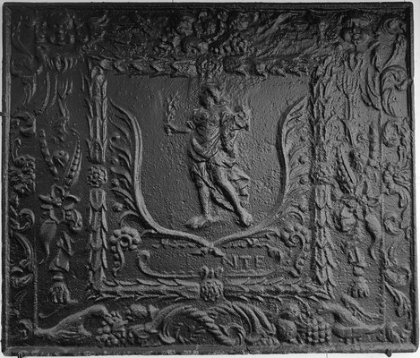 Inv.-Nr. 322   Pomona/Pax, Kaminplatte 84 x 71 cm, Quint, nach 1683