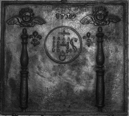 Inv.-Nr. 140   Jesusmonogramm, Kaminplatte XX x XX cm, Lothringen, dat. 1739
