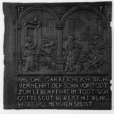 Inv.-Nr. 185   Das Ölwunder des Elisäus, Ofenplatte 68 x 68 cm, Zinsweiler, dat. 1773