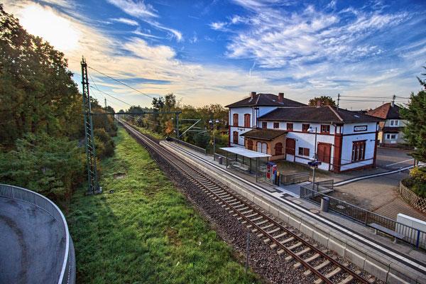 Bahnhof von Huttenheim