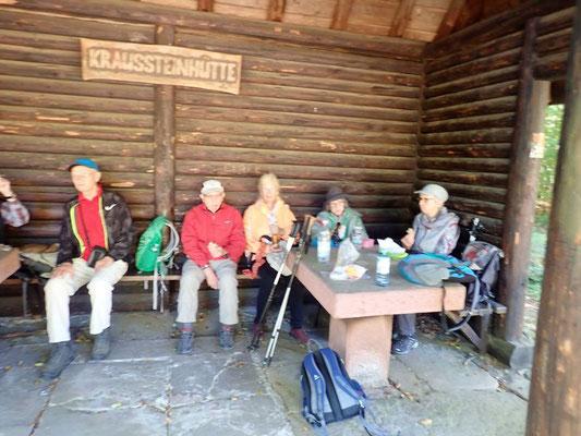 Eine kleine Ruhpause in der Kraussteinhütte