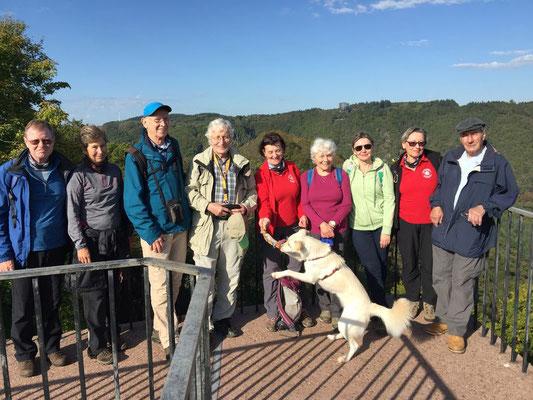 Wir besichtigen die Burgruine Montclair