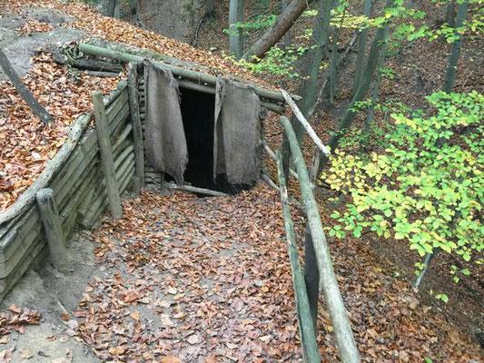 Der Eingang zu der Dachsenfranz-Höhle