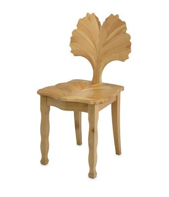 Stuhl, Kirschbaum massiv, lackiert und poliert; T 0,44 m, H 0,92 m, Sitzhöhe 0,45 m, EUR 2.600,-