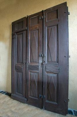 Tür Nr. 1, Louis-Seize, dreiteilig, Eiche, Gesamtbreite 1,60 m, H 2,35 m, EUR 6750,-