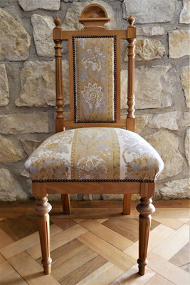 S17 Stuhl (Musterbild), Gründerzeit, Replikat, Eiche (auch in Ulme, Kirsche, Nuss), H110xB450xT450 SH450mm, weiß/roh gepolstert