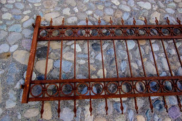 Gitter Nr. 3, Länge ca. 3 m, EUR 85,-/m²