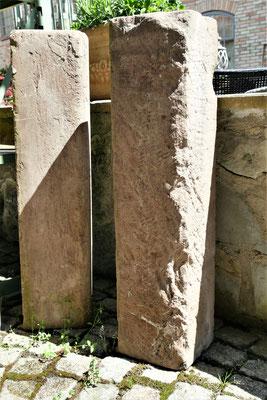 Sandstein Tritte, auch als Stehle zu stellen Maße: H850 x B200 x T200mm