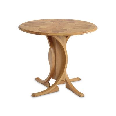 Tisch, Kirschbaum Intarsien (Einlegearbeit), lackiert und poliert; D 0,89 m, H 0,75 m, EUR 7.500,-