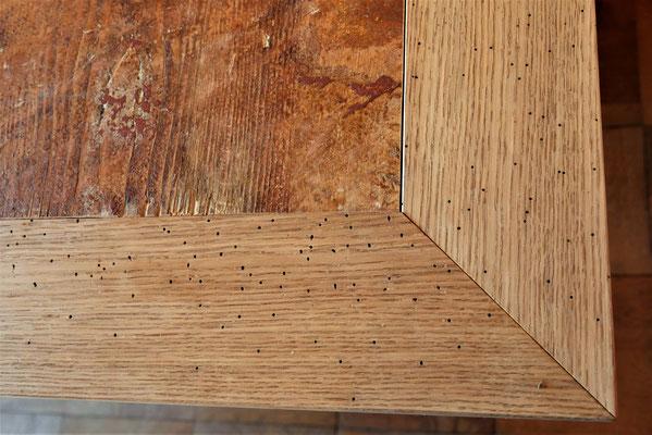 T48 Quadratischer Tisch, Platte in Altholz gefasst in alter Eiche, Untergestell über Eck in Metall, H 760 x B 1560x1560mm