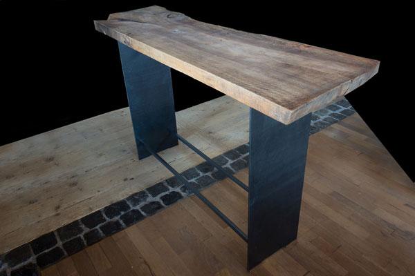Metallfuß-Stehtische mit versch. Holzplatten (hier: Nußbaum geölt) ca. L 1,95 m x B 0,55 m x H 1,12 m, EUR 2.350,-