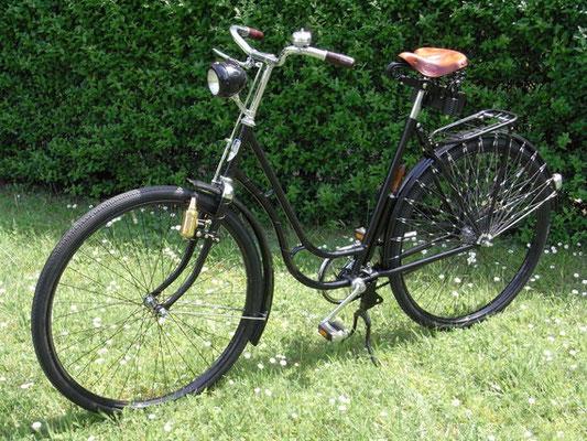 Zweiräder - Aufbau, Umbau & Restauration Mifa Tourenrad Modell 152