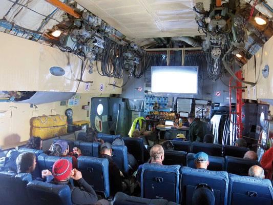Anreise in einer Frachtmaschine, Expeditionen, Expeditionen in Argentinien