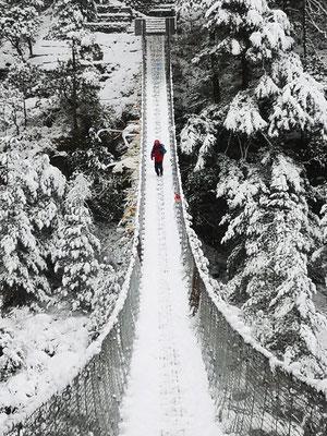 Hillary Bridge bei Schnee (die neue)