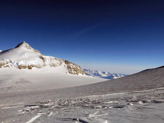 Blick auf den Mount Shinn, Expeditionen, Expeditionen in Argentinien