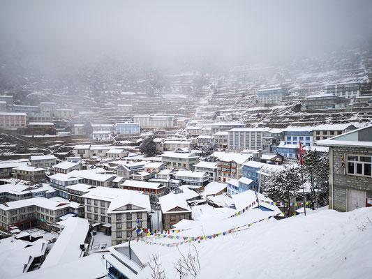 Namche Bazar bei Schnee