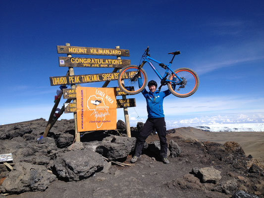 Kilimanjaro mit dem Mountainbike, Downhill Kilimanjaro, Kilimanjaro mit dem MTB, (c) Martin Bissig