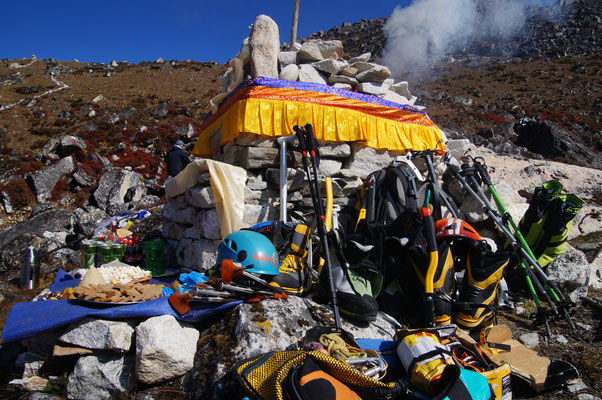 Puja in Nepal, ohne geht es nicht an den Berg